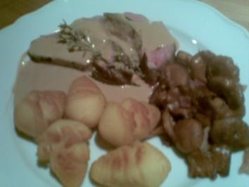 Schweinefilet in Chianti-Cremefraiche-Sauce mit Pfifferlingen - Rezept