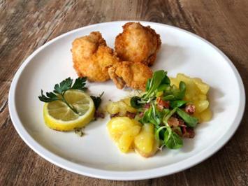 Backhendl mit Vogerl-Kartoffelsalat (Marianne und Michael) - Rezept - Bild Nr. 2