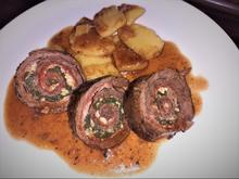 Rinderroulade mit Spinat-Parmesan-Pancetta-Fülle in Rotweinsauce - Rezept - Bild Nr. 2