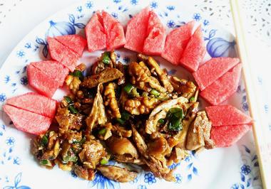 Huhn mit Walnüssen - Tao Ren Ji Ding - Rezept - Bild Nr. 2