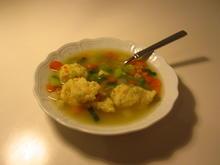 Vegane Grießklöschen in Gemüsesuppe - Rezept - Bild Nr. 2