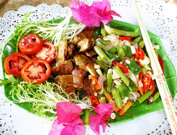 Bunte Nudeln mit gebratenem Hühnerfleisch à la Hongkong - Rezept - Bild Nr. 12204