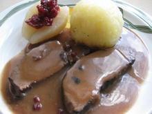 Zarter Hirschbraten mit Knödel und gefüllten Birnen - Rezept - Bild Nr. 2