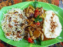 Buntes Hühnerfleisch à la Dewi Desi - Rezept - Bild Nr. 2
