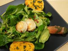 Ziegenkäse auf Feldsalat mit Orangen-Vinaigrette, dazu Lachs und Orangen-Ciabatta - Rezept - Bild Nr. 3