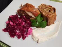 Kraut-Strudel mit Schmand-Knoblauch-Dip und Salat - Rezept - Bild Nr. 12336