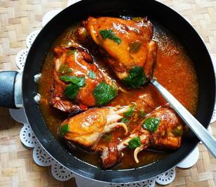 Hühnerschenkel in roter Currysauce - Rezept - Bild Nr. 2