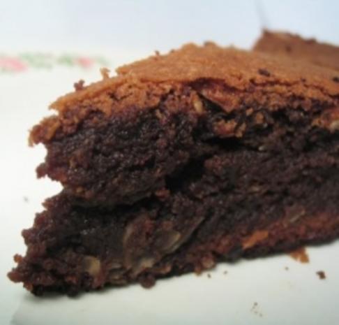 Schokoladenkuchen mit Walnüssen und Weinbrand - Rezept