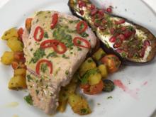 Thunfischsteaks mit Salsa Verde und gebratenem, lauwarmen Kartoffelsalat - Rezept - Bild Nr. 2
