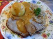 Schweinenackenbraten mit Sauce, Weißkraut auf böhmische Art und Seidenknödel - Rezept - Bild Nr. 2