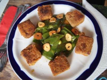 Gebratene Tofu-Würfel mit Zuckerschoten und Knoblauch im Wok - Rezept - Bild Nr. 2