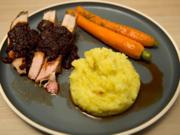 Frenched Racks vom Duroc Schwein, Kartoffelstampf mit Honigmöhren - Rezept - Bild Nr. 2