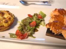 Barbecue-Lachs auf Zedernholz mit einer Kartoffel-Quiche - Rezept - Bild Nr. 2