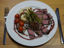 Rinderfilet an Rotweinsauce mit Kartoffel-Sellerie-Püree und geschmorten Tomaten - Rezept - Bild Nr. 2