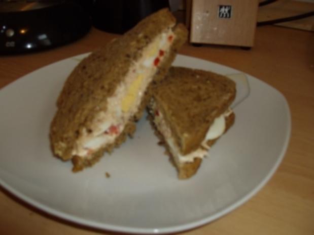 Sandwich mit Thunfischcreme und Eiern - Rezept