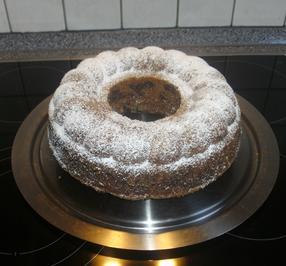 Schoko-Marmorkuchen mit Kirschen + Eierlikör - Rezept - Bild Nr. 2