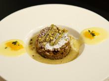 Zucchinikuchen mit Pistazienmousse und Ganache aus weißer Schokolade - Rezept - Bild Nr. 2