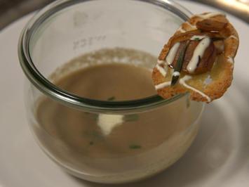 Pilzrahmsuppe mit Brotchips - Rezept - Bild Nr. 2