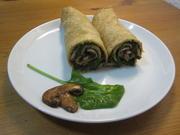 Pfannkuchenrollen gefüllt mit Champignons und blanchiertem Spinat - Rezept - Bild Nr. 2