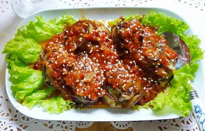 Auberginenröllchen in Tomatensauce - Rezept - Bild Nr. 2