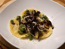 Kürbisravioli mit Pesto und Knuspereffekt - Rezept - Bild Nr. 2