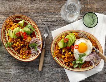 Mexikanischer Bratreis mit Avocado und Spiegelei - Rezept - Bild Nr. 13779