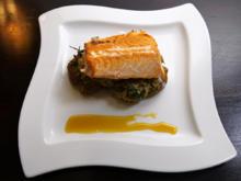 Knusprige Ofenkartoffel mit Lachs und Spinat an einer leichten weißen Sauce - Rezept - Bild Nr. 2