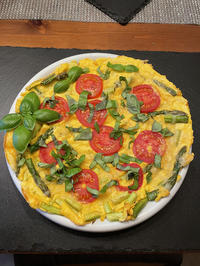Omelette mit grünem Spargel, Tomaten und Käse - Rezept - Bild Nr. 13801