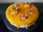 Einfache Pfirsich - Aprikosen - Torte mit Bienchen - Rezept - Bild Nr. 13838