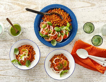 Veganer Tomaten-Pesto-Salat mit Sonnenweizen - Rezept - Bild Nr. 13835