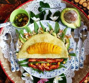 Avocadosalat mit Omelette und Mango - Rezept - Bild Nr. 2