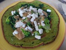 Bärlauch-Pfannkuchen mit Brokkoli-Topping und Erdnusssauce - Rezept - Bild Nr. 2