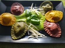 Ostereier-Ravioli auf Erbsen-Parmesan-Creme - Rezept - Bild Nr. 13901