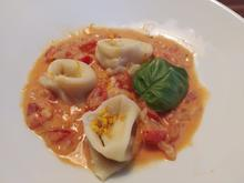Handgemachte Tortellini in Orangen-Sahne-Sauce - Rezept - Bild Nr. 13903
