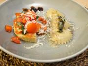 Ravioli mit Pilz-Ricotta-Füllung an Tomaten-Bruschetta - Rezept - Bild Nr. 2