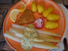 Spargel mit Sauce Hollandaise legere, mini Knusperschnitzel und Drillingen - Rezept - Bild Nr. 2