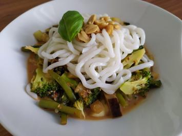 Asia-Gemüsepfanne mit Udon-Nudeln - Rezept - Bild Nr. 13907