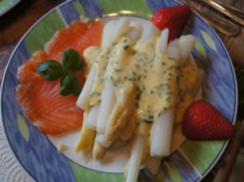 Bruchspargel mit Sauce Hollandaise legere und Räucherlachs - Rezept - Bild Nr. 2