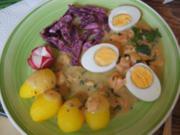 Gekochte Eier auf Lachs-Senf-Sauce, mit Rote Bete Salat und Drillingen - Rezept - Bild Nr. 2