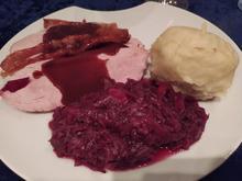 Krustenbraten an Jus mit Kartoffelklößen - Rezept - Bild Nr. 13920