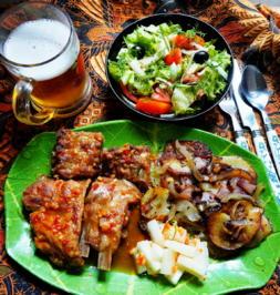 Babyribs mit Bratkartoffeln und Salat ala Delicio - Rezept - Bild Nr. 13941