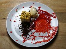 Käsekuchen mit Eis, Schokolade und Himbeersoße - Rezept - Bild Nr. 13941