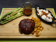 """""""BBQ-Chicken-Ball"""" mit grünem Spargel in Zitronenvinaigrette und Kartoffelwürfeln - Rezept - Bild Nr. 13978"""