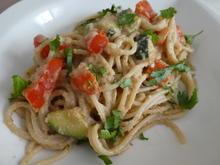 Spaghetti mit Gemüse-Cashew-Erdnuss-Rahmsauce - Rezept - Bild Nr. 13987