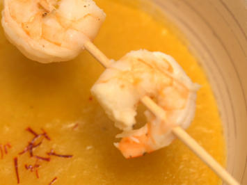 Mango-Ingwer-Suppe mit Gamba Spieß dazu Currybaguette mit süß-saurem Dip - Rezept - Bild Nr. 14047