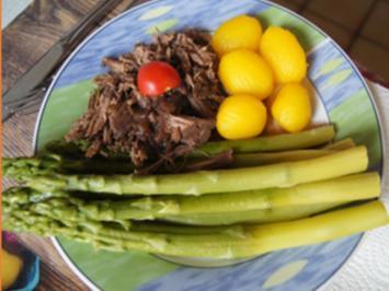 Grüner Spargel mit Pulled-Beef und Honig-Drillingen - Rezept - Bild Nr. 2