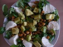Feldsalat mit scharfer Avocado und gerösteten Kichererbsen - Rezept - Bild Nr. 14075