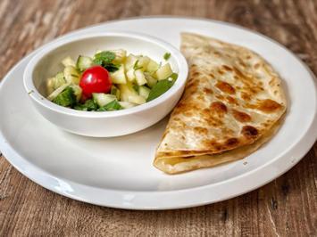 Arabisches Huhn im Lavash-Brot mit Ananas-Gurkensalat (Jürgen von der Lippe) - Rezept - Bild Nr. 2