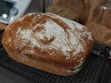 Großes Dinkel - Vollkorn - Brot - Rezept - Bild Nr. 14182