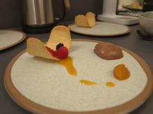 Mousse au Chocolate mit Passionsfruchtgelee auf einer Hippe - Rezept - Bild Nr. 14212